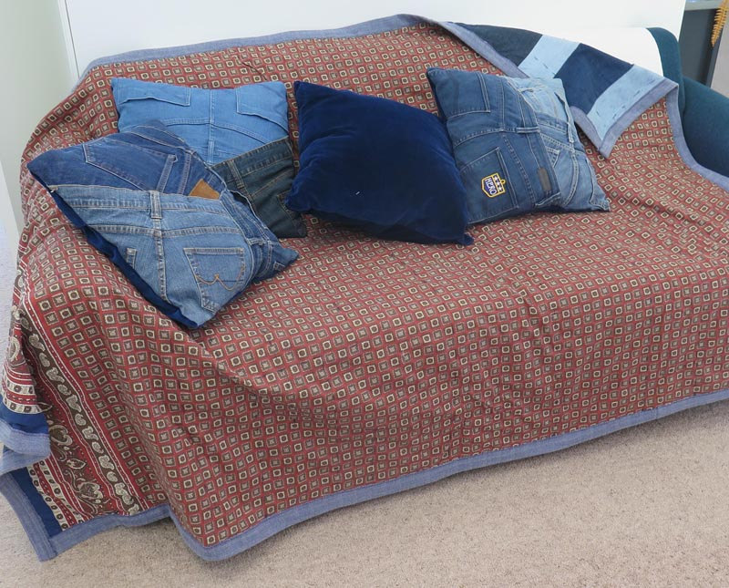 quilt and four cushions