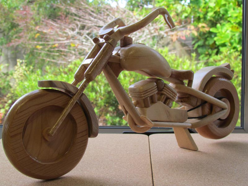 Carved motorbike donated to Whanganui Hospice fundraising exhibition
