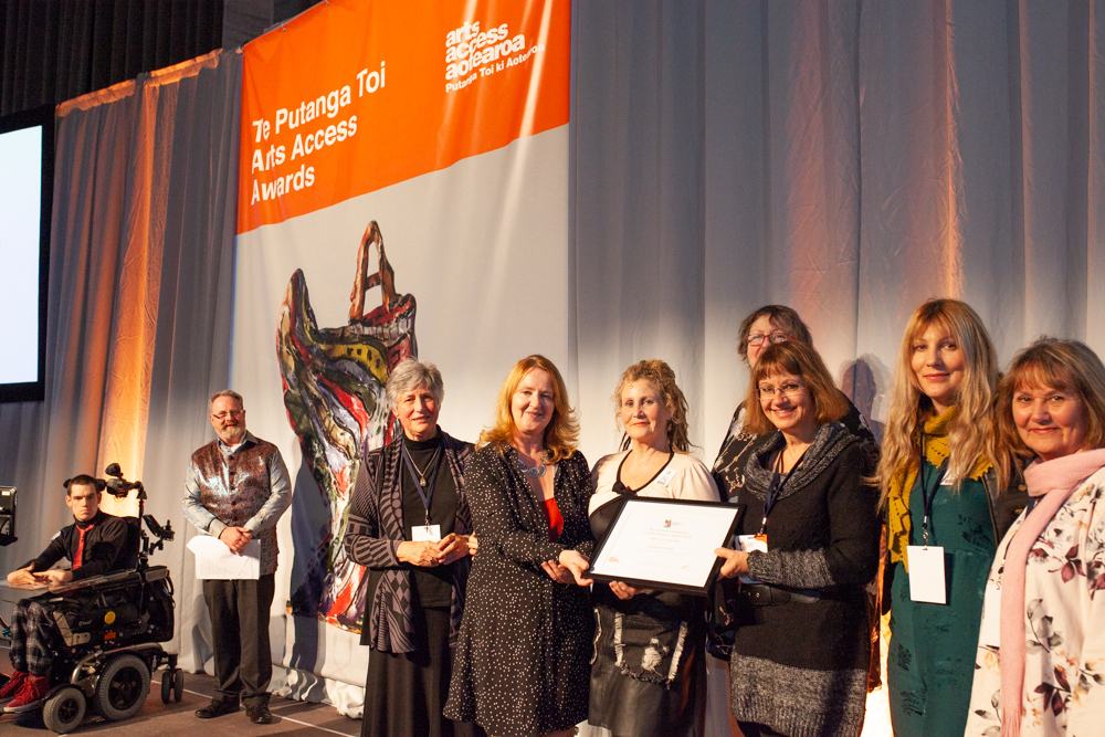 Te Ara Korowai representatives with Merrill Holdsworth of Holdsworth Charitable Trust Photo: Vanessa Rushton Photography