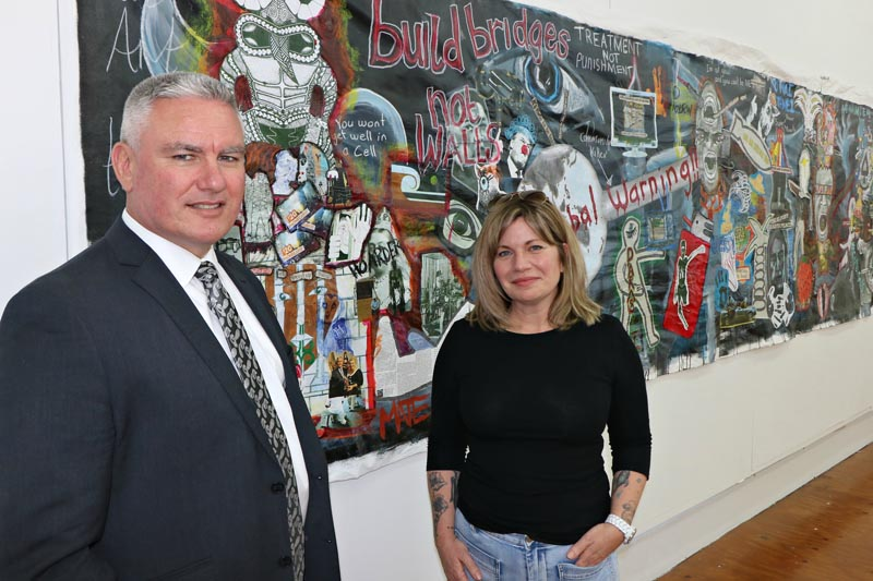 Minister for Corrections Kelvin Davis and Beth Hill, art tutor and education facilitator, Northland Region Corrections Facility
