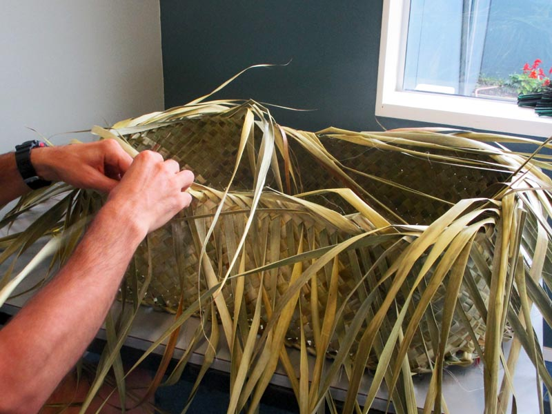 Weaving a wahakura