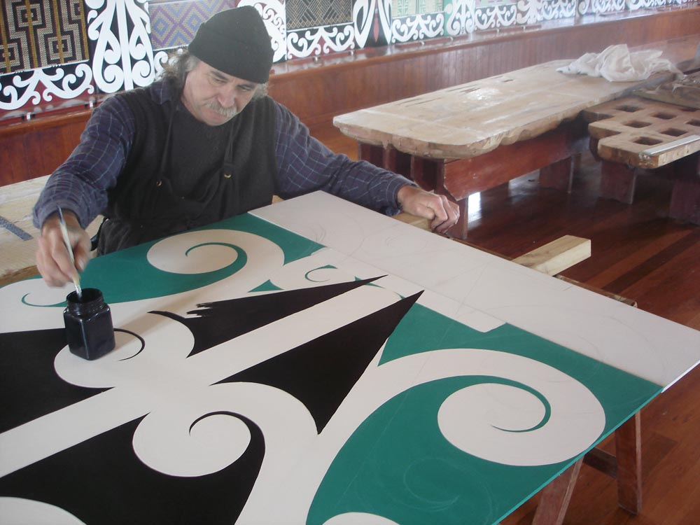 David Cameron working on the kowhaiwhai patterns in Te Poho Hiraina, 2009