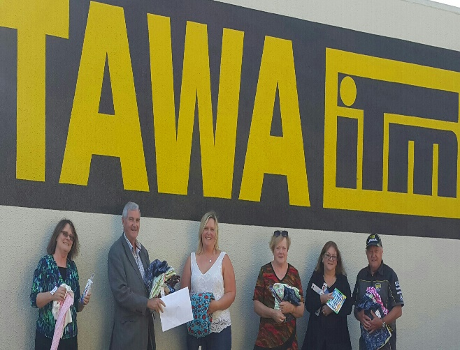 Tawa Rotary donations to Foster Hope